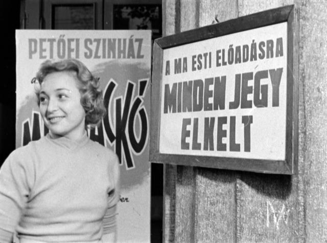 Photo: Fortepan/Szabó Gábor, Bp. Petőfi Theater, Margit Szabó actress